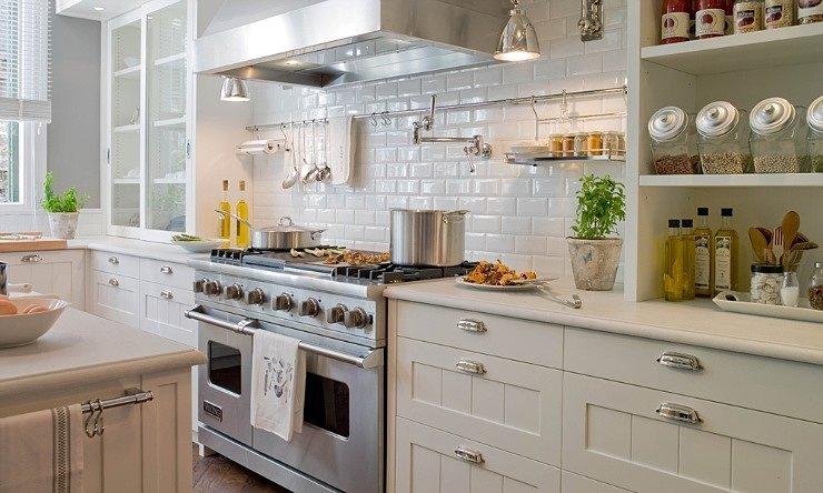 Секреты применения белой плитки в кухне